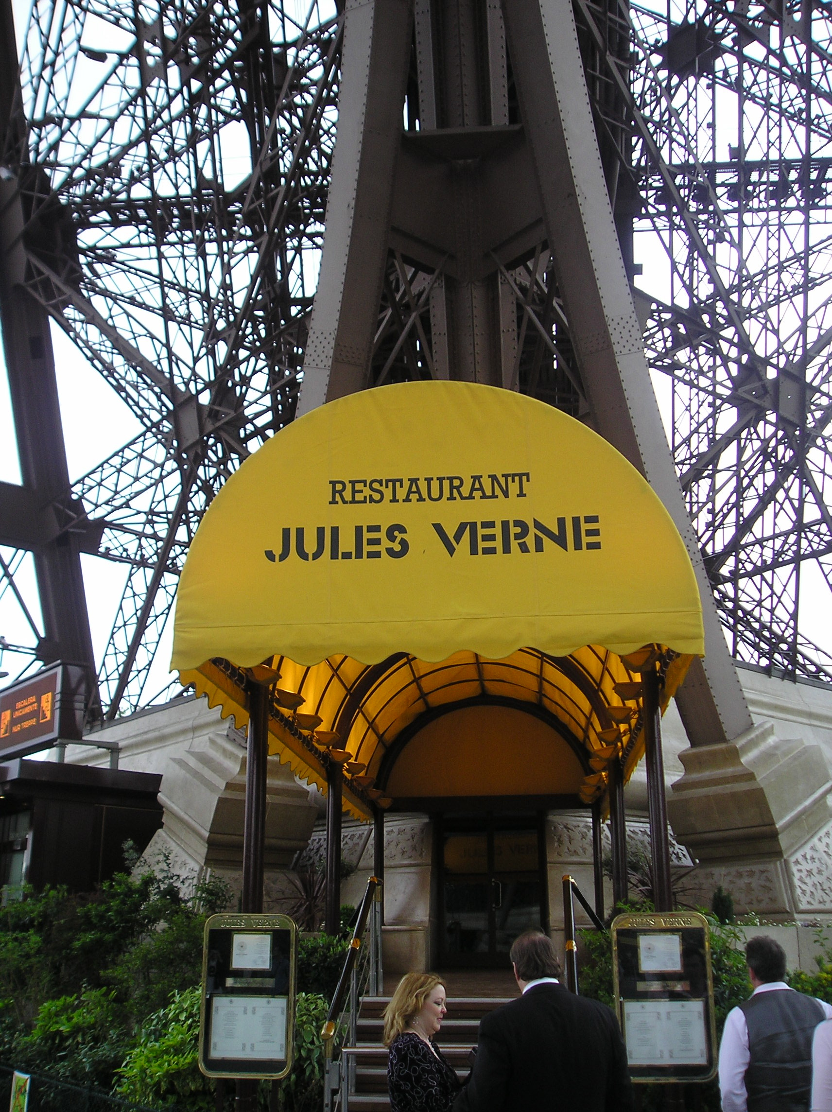 Restaurants and tourism mapping paris for Torre enfel